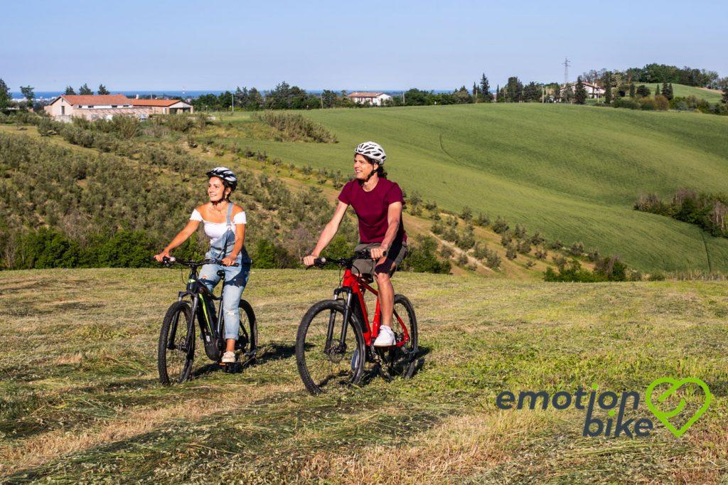 Il cicloturismo sorprende tutti: nel 2020 molti più italiani viaggeranno in bici rispetto al 2019