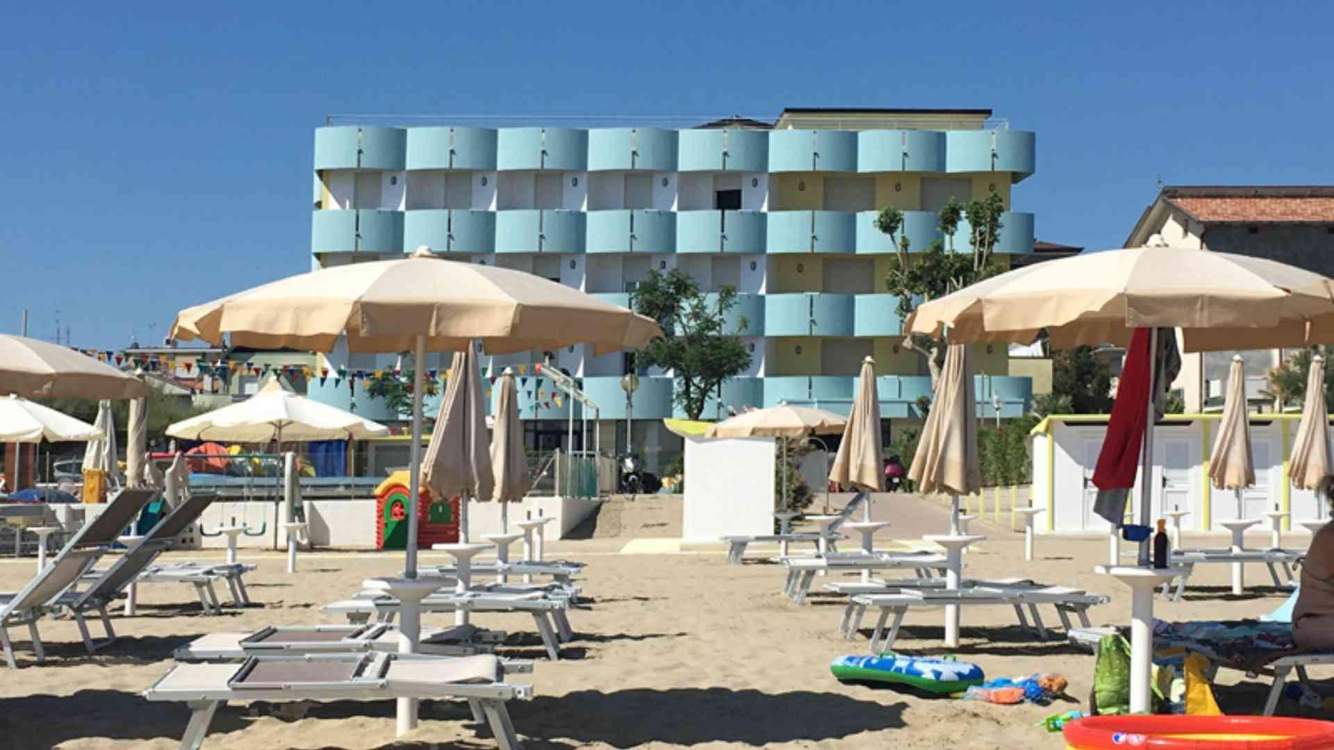 EVIDENZA_Spiaggia_Hotel Graziella