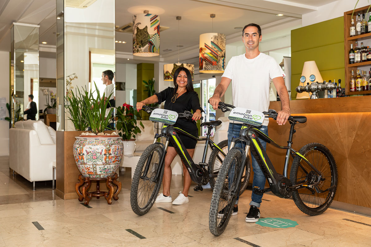 hotel-select-riccione ebike tour e rental