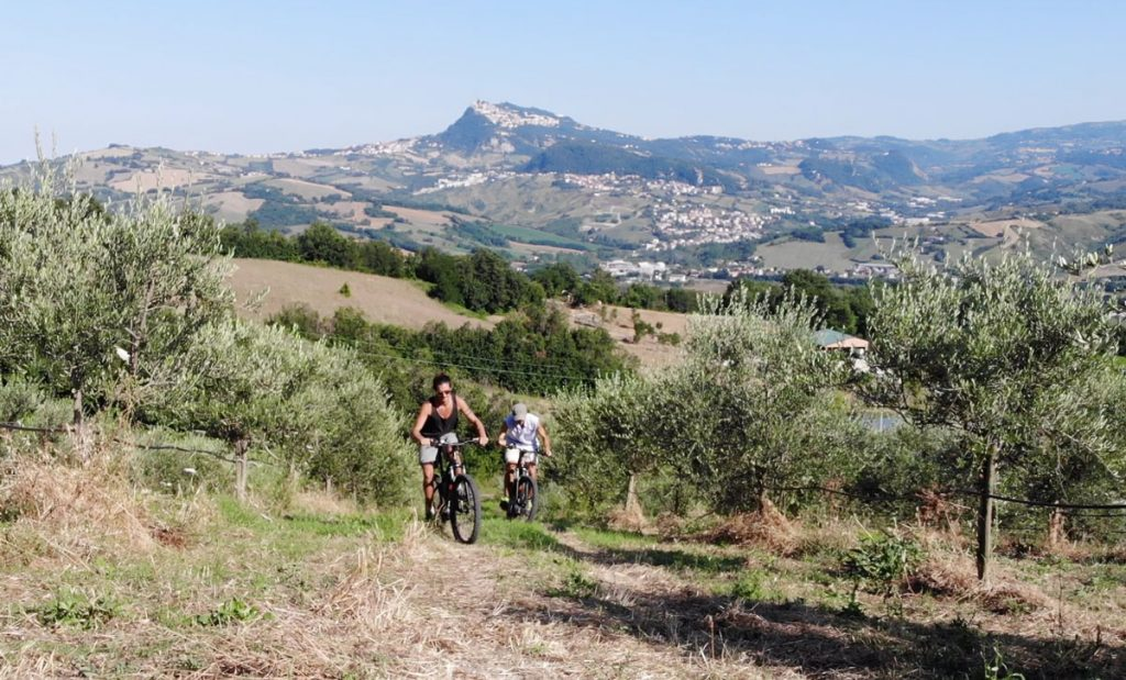 tenuta-saiano-in-mountain-bike-a-pedalata-assistita