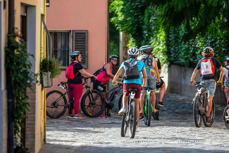 le-15-cose-da-vedere-a-rimini-in-bicicletta---la-piazza-sull'acqua