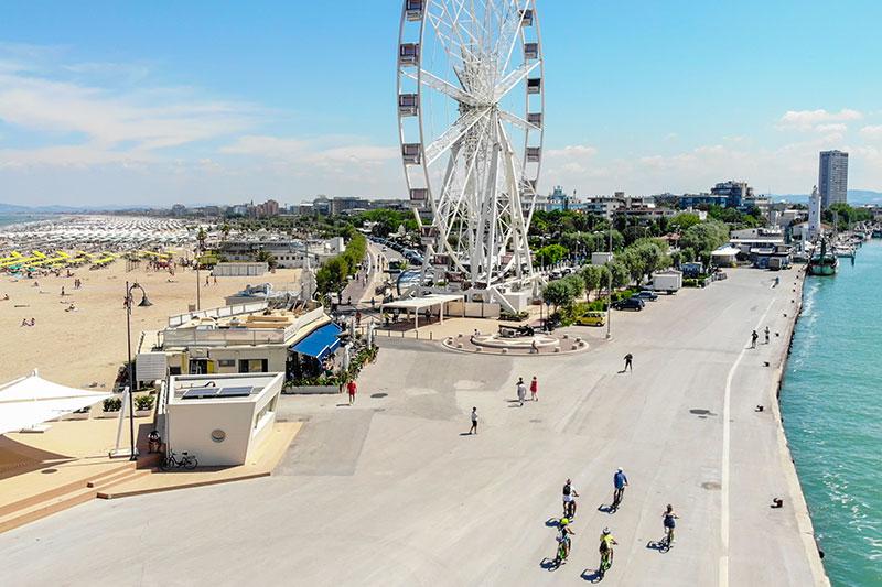 le-15-cose-da-vedere-a-rimini-in-bicicletta---cicloturisti-al-porto