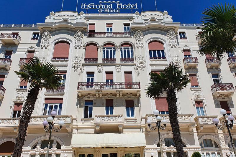 le-15-cose-da-vedere-a-rimini-in-bicicletta---il-grand-hotel
