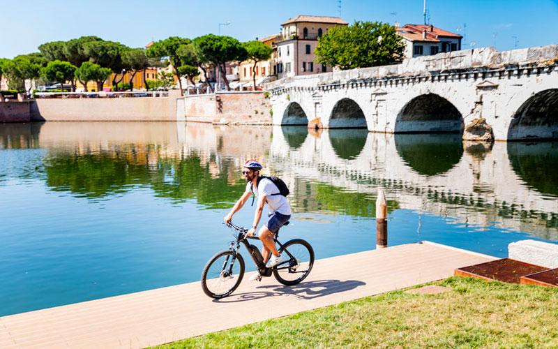 le-15-cose-da-vedere-a-rimini-in-bicicletta---il-ponte