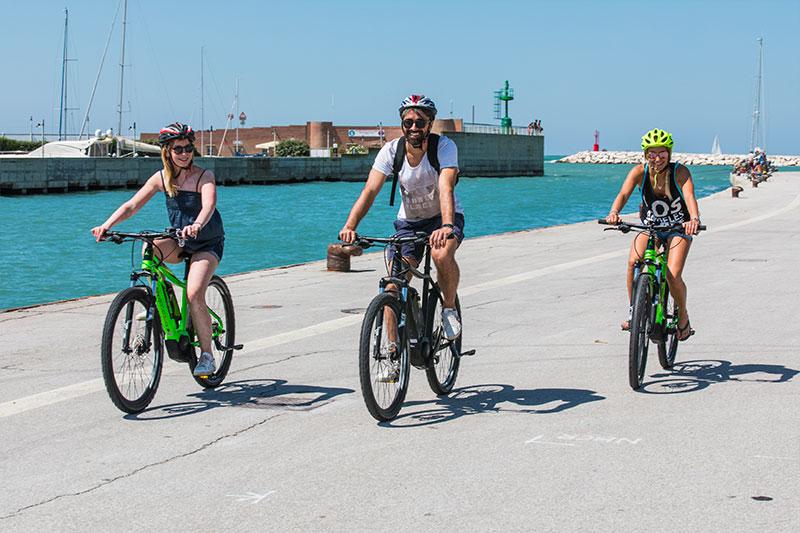 le-15-cose-da-vedere-a-rimini-in-bicicletta---palata-del-porto