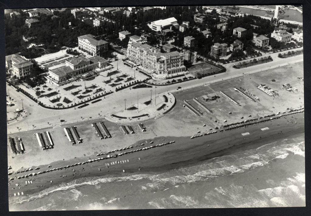 Grand-Hotel-e-Turismo-balneare-a-Rimini-grand-hotel-e-il-kursaal